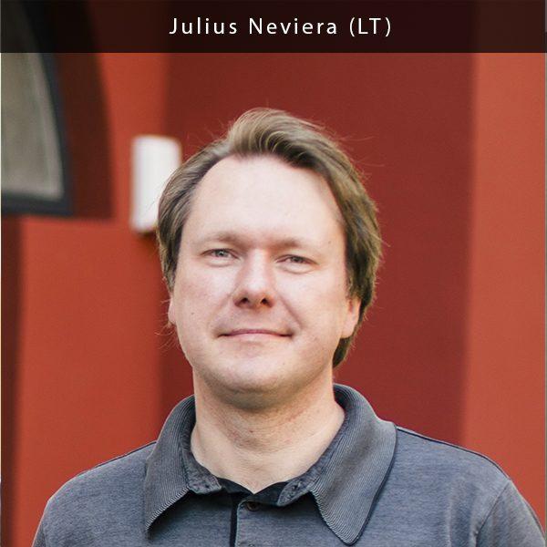 Daugiau nei 10 metų specializuojasi pirminių tyrimų, duomenų analizės, Imituojančių verslo sprendimų modeliavimo ir integravimo srityse. Julius yra įvairių sričių rinkos tyrimų ekspertas. Jį domina ir medijų bei jų elgsenos tyrimai. Kantar TNS įmonėje Julius daug dėmesio skiria marketingui, tyrimams ir sisteminiam mąstymui. Julius yra visiškai teisus sakydamas, kad jį žavi ir kartu įgalina tai, jog yra daroma tiek daug tyrimų, bet jie vis dar taip mažai pritaikomi.